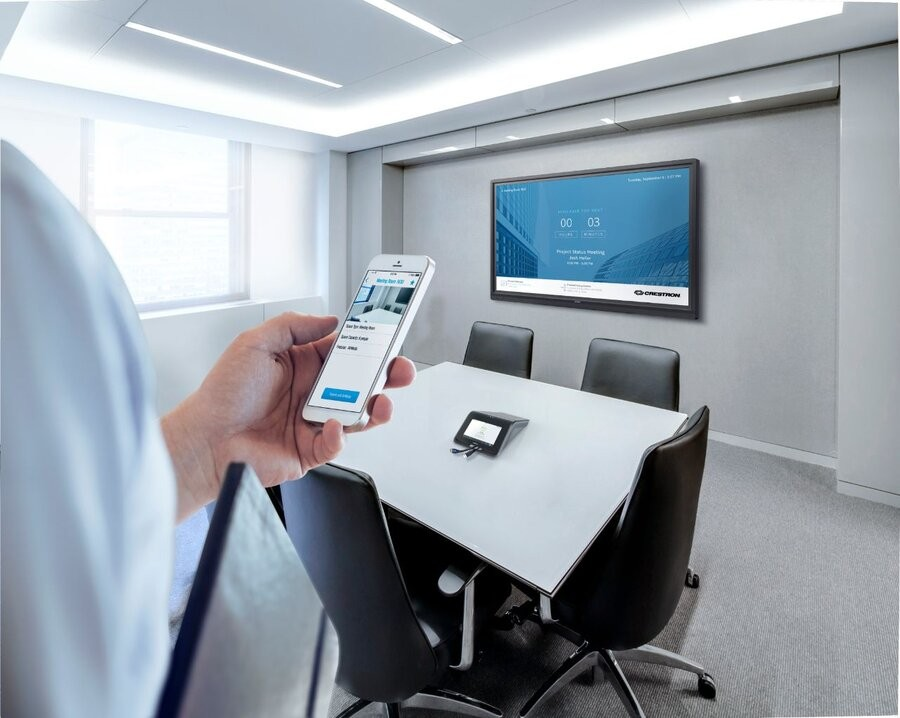 how-crestron-improves-your-conference-room-design