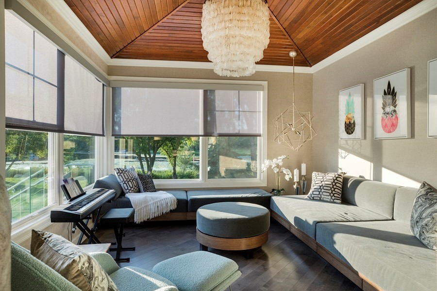 How Can Motorized Shades Boost Your Design and Entertainment?